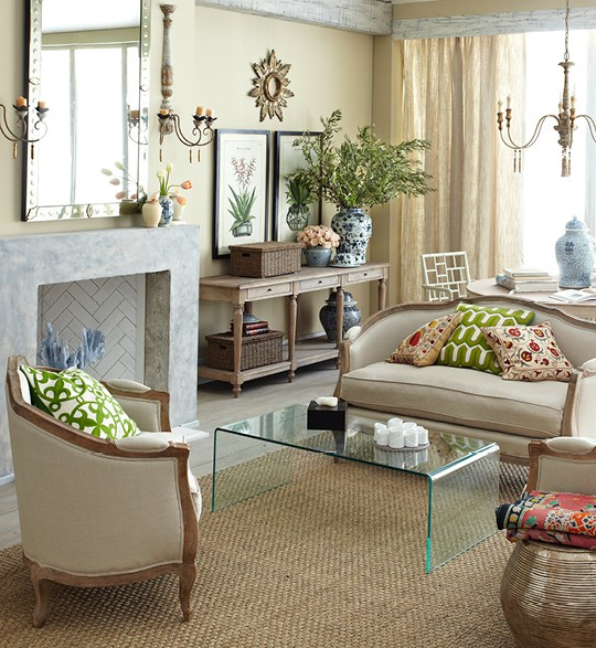 Traditional Living Rooms: ON SET MANAGEMENT